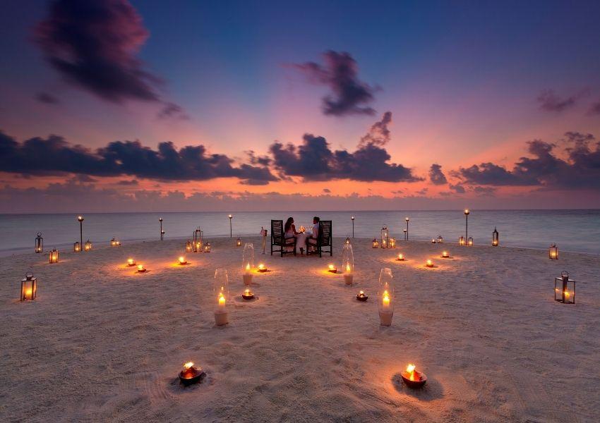 Baros romantic dinner