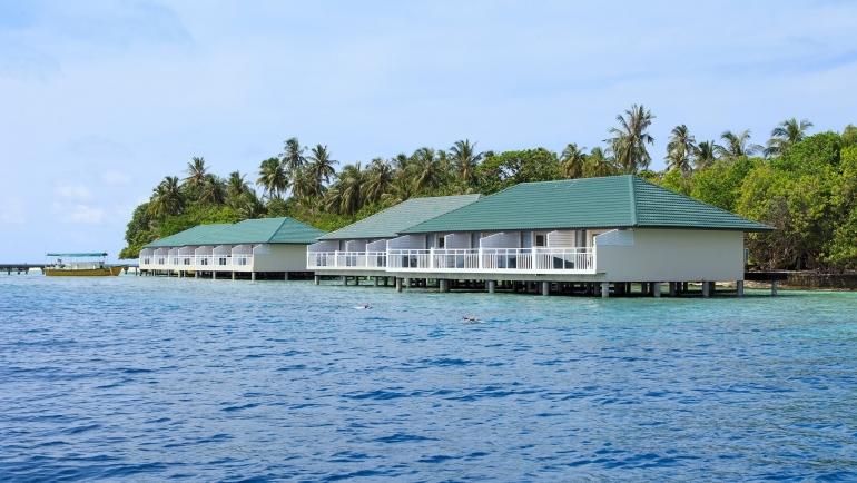 Embudu resort