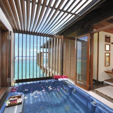 paradise ocean suite pool